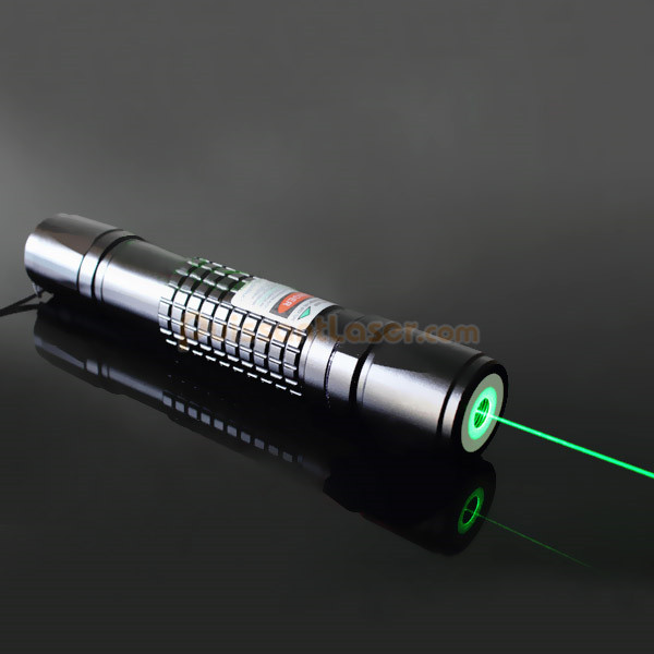 bon laser pointeur vert 100mw pas cher. Black Bedroom Furniture Sets. Home Design Ideas