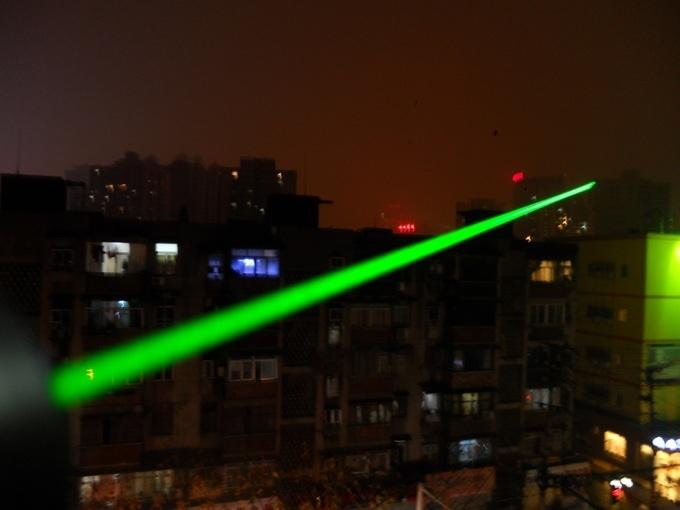 pointeur laser ultra puissant 3000mw longue port e. Black Bedroom Furniture Sets. Home Design Ideas