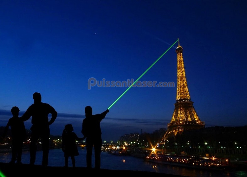 pointeur laser 200mw distance