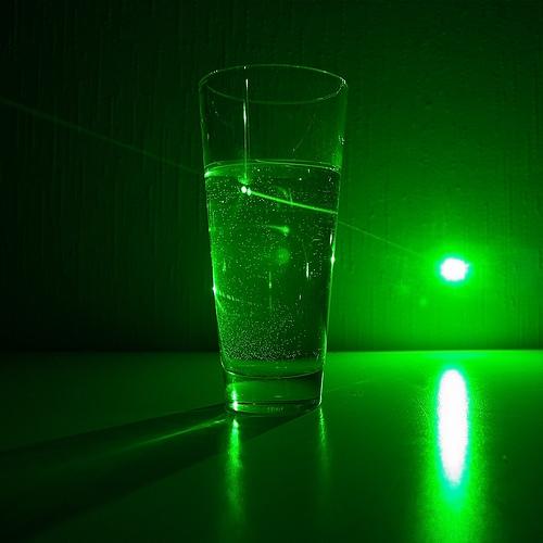 trouver acheter un 50mw stylo pointeur laser vert prix pas cher. Black Bedroom Furniture Sets. Home Design Ideas